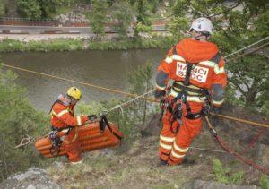 safety-team-standby-resuce-300x211.jpg