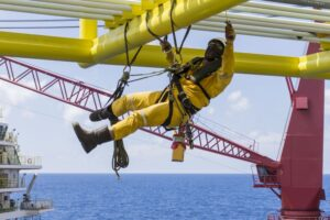 Working-at-height.-Working-overboard-fall-protection-course-300x200.jpg