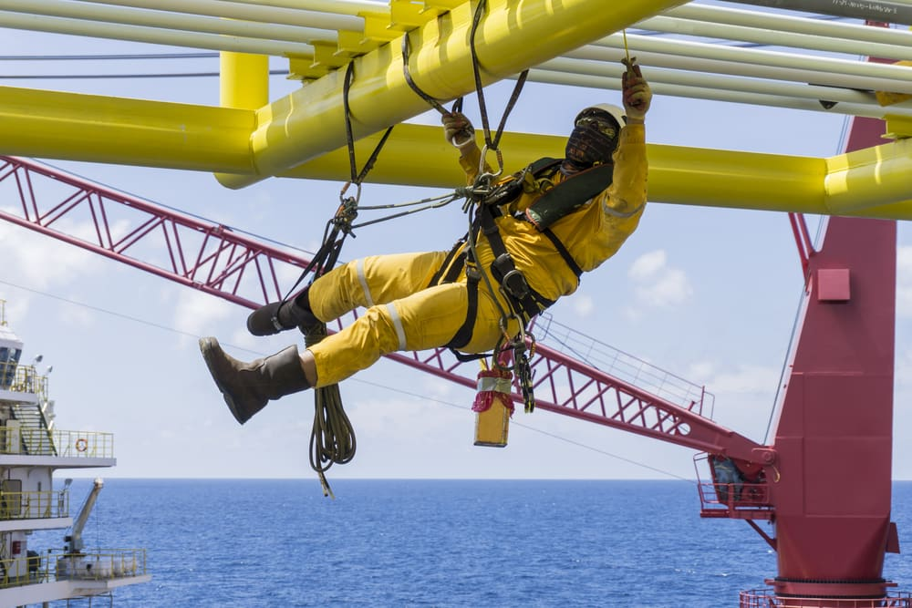 Working-at-height.-Working-overboard-fall-protection-course.jpg